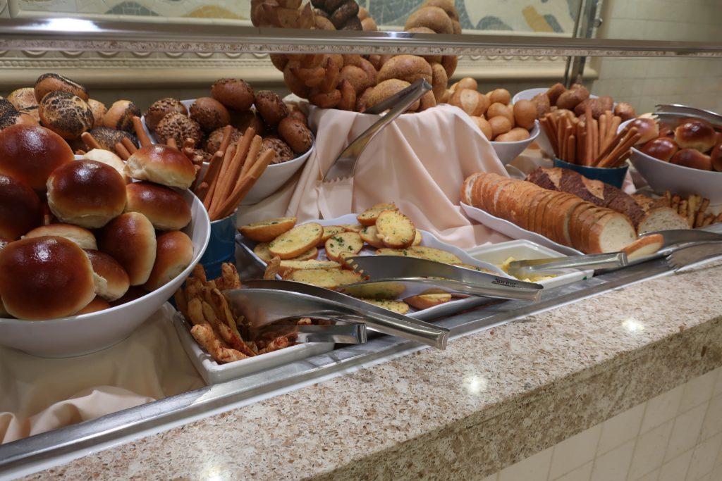 ホライゾンコートのパン